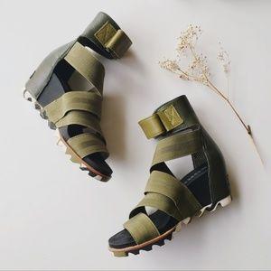 EUC Sorel Joanie Gladiator II Wedge Sandals Green